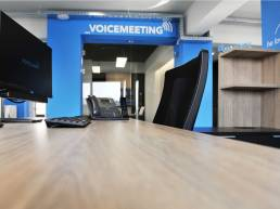 hellodesign-voiceland-ioannis-vamvakaris-ceo-workstation